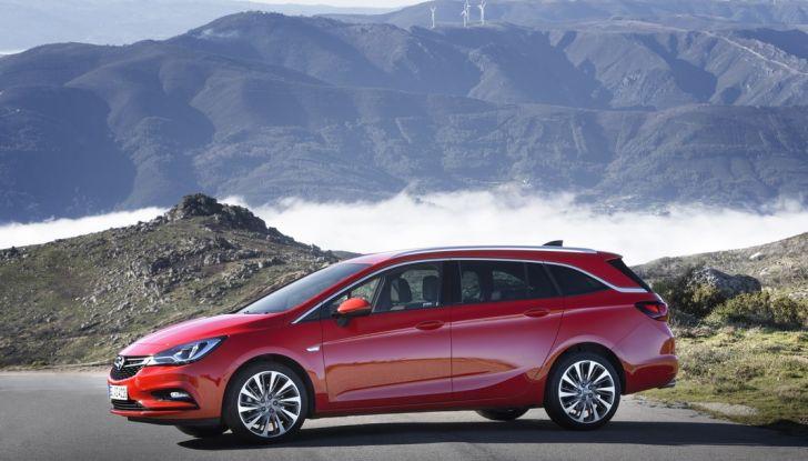Nuova Opel Astra Sports Tourer prova su strada, informazioni e prezzi - Foto 22 di 40