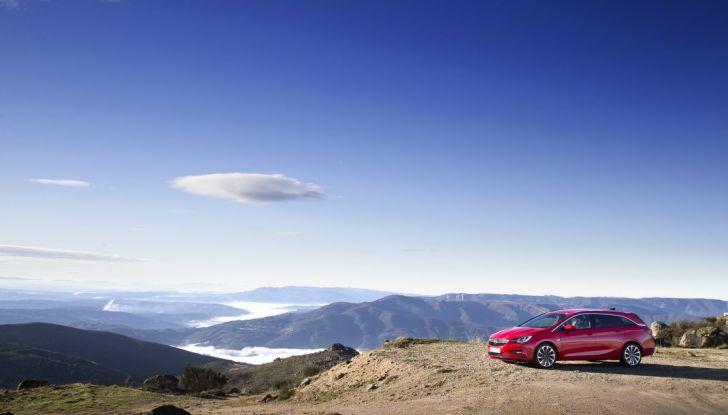 Nuova Opel Astra Sports Tourer prova su strada, informazioni e prezzi - Foto 24 di 40