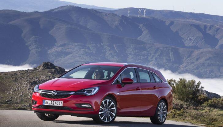 Nuova Opel Astra Sports Tourer prova su strada, informazioni e prezzi - Foto 26 di 40
