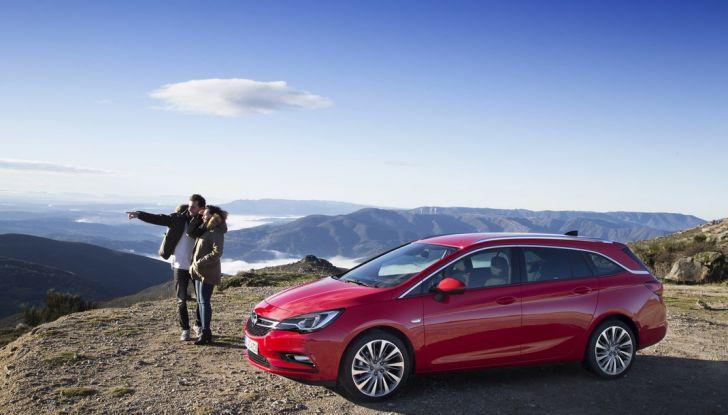 Nuova Opel Astra Sports Tourer prova su strada, informazioni e prezzi - Foto 29 di 40