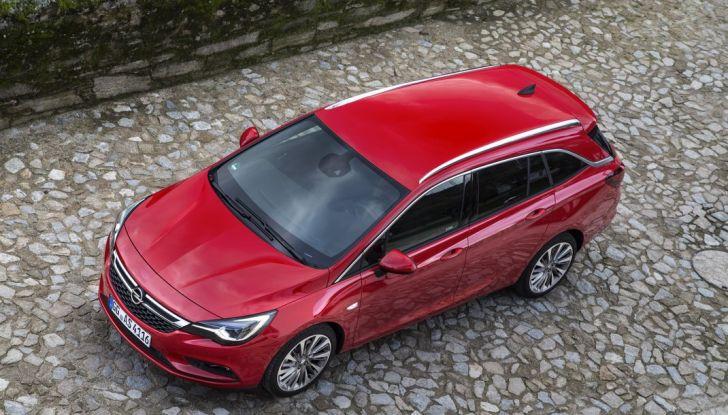 Nuova Opel Astra Sports Tourer prova su strada, informazioni e prezzi - Foto 33 di 40