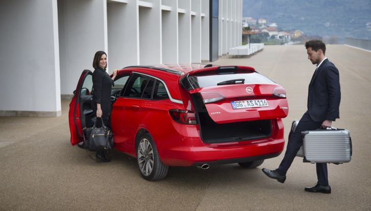 Nuova Opel Astra Sports Tourer prova su strada, informazioni e prezzi - Foto 36 di 40