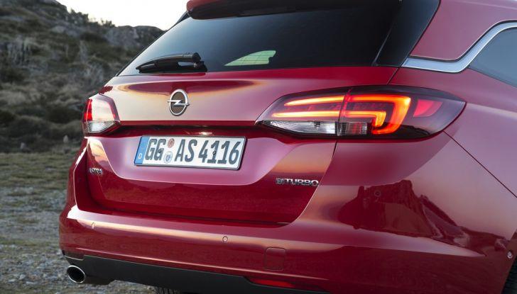 Nuova Opel Astra Sports Tourer prova su strada, informazioni e prezzi - Foto 39 di 40