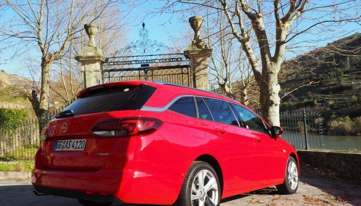 Nuova Opel Astra Sports Tourer prova su strada, informazioni e prezzi - Foto 3 di 40