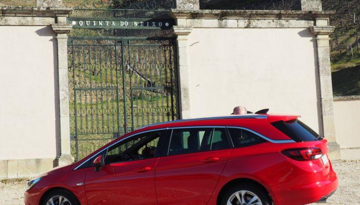 Nuova Opel Astra Sports Tourer prova su strada, informazioni e prezzi - Foto 4 di 40