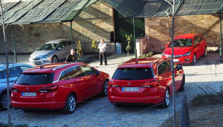 Nuova Opel Astra Sports Tourer prova su strada, informazioni e prezzi - Foto 9 di 40