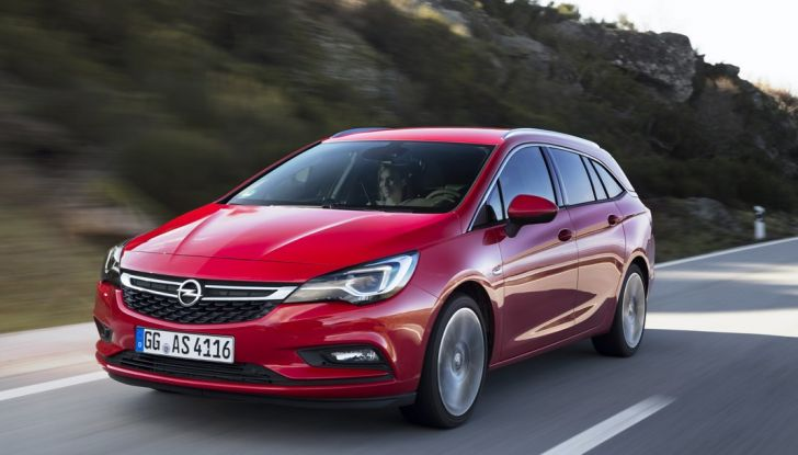 Nuova Opel Astra Sports Tourer prova su strada, informazioni e prezzi - Foto 13 di 40
