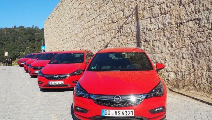 Nuova Opel Astra Sports Tourer prova su strada, informazioni e prezzi - Foto 7 di 40