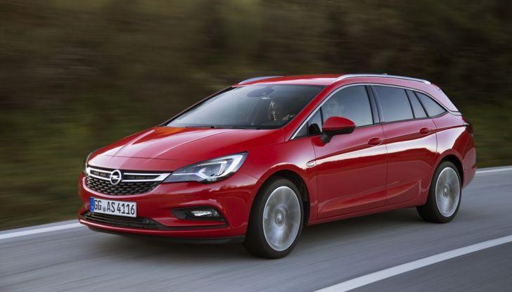Nuova Opel Astra Sports Tourer prova su strada, informazioni e prezzi - Foto 14 di 40