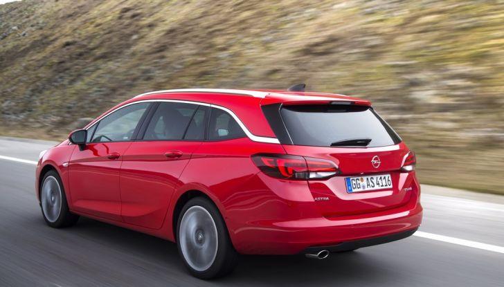 Nuova Opel Astra Sports Tourer prova su strada, informazioni e prezzi - Foto 15 di 40