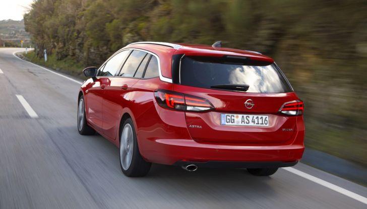 Nuova Opel Astra Sports Tourer prova su strada, informazioni e prezzi - Foto 16 di 40