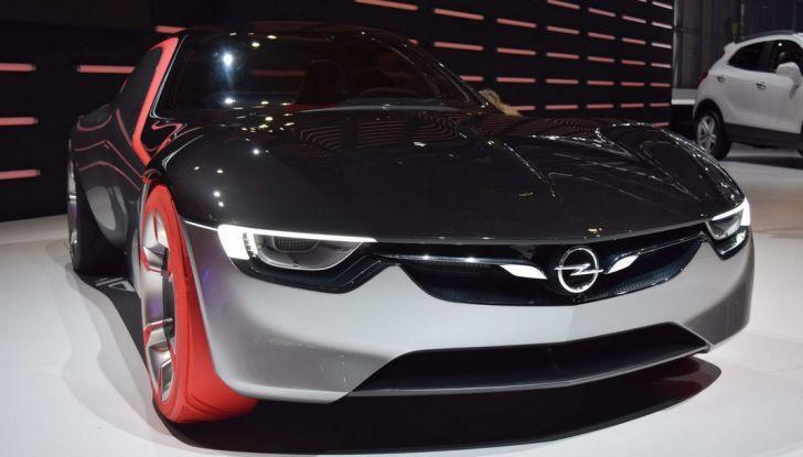 Opel GT Concept: a Ginevra la sportiva del futuro - Foto 2 di 20
