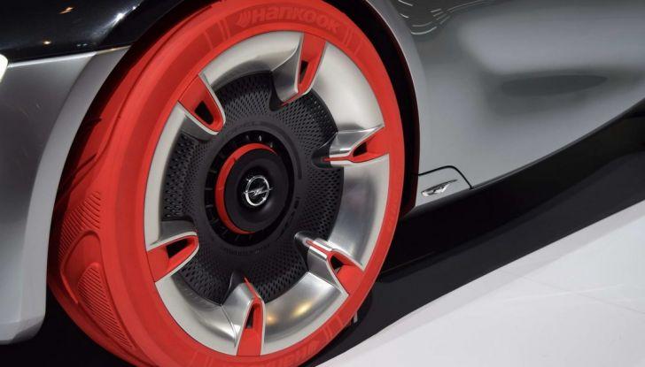Opel GT Concept: a Ginevra la sportiva del futuro - Foto 8 di 20