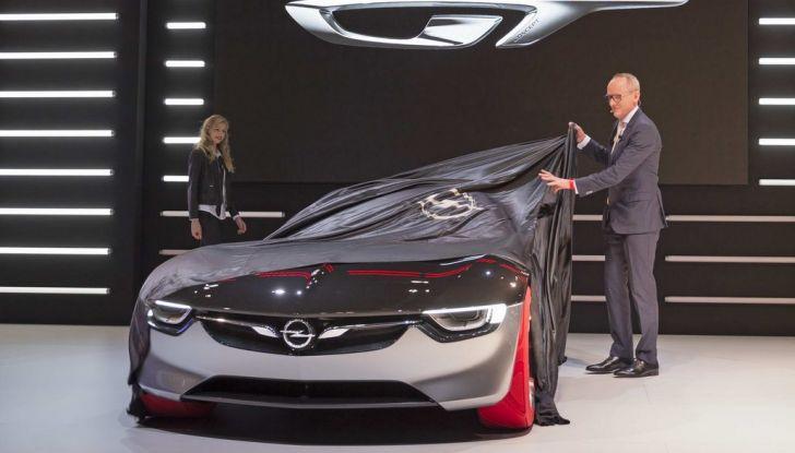 Opel GT Concept: a Ginevra la sportiva del futuro - Foto 3 di 20