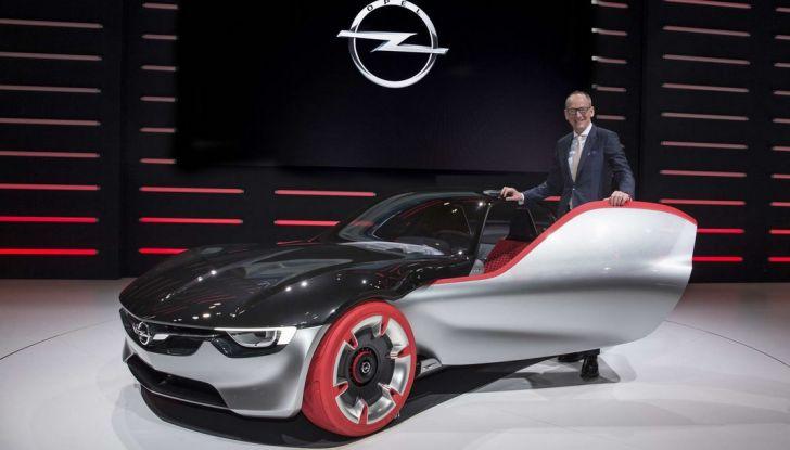 Opel GT Concept: a Ginevra la sportiva del futuro - Foto 11 di 20