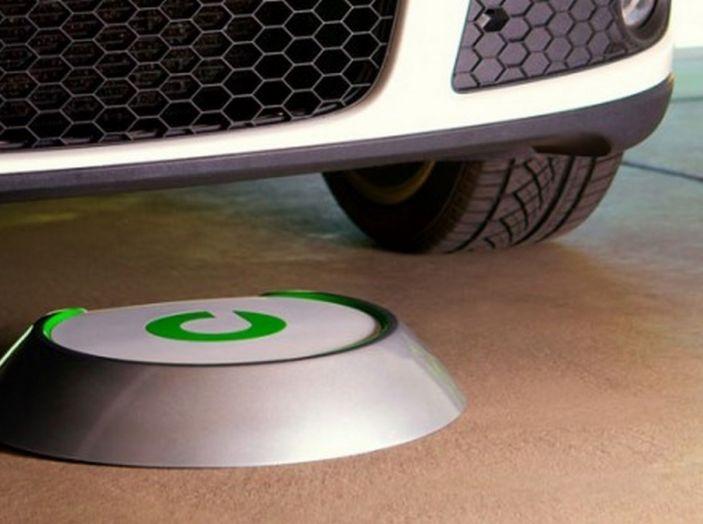 Tesla compra tutte le batterie per le sue auto elettriche e i rivali restano a secco! - Foto 5 di 12
