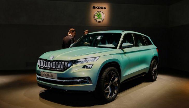 Skoda Vision S: ecco il concept del nuovo SUV - Foto 2 di 15