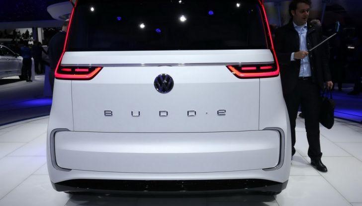 A volte ritornano: BUDD-e, il van di Volkswagen per l'hippie 2.0 - Foto 3 di 14