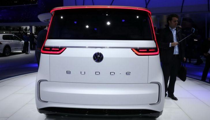 A volte ritornano: BUDD-e, il van di Volkswagen per l'hippie 2.0 - Foto 6 di 14