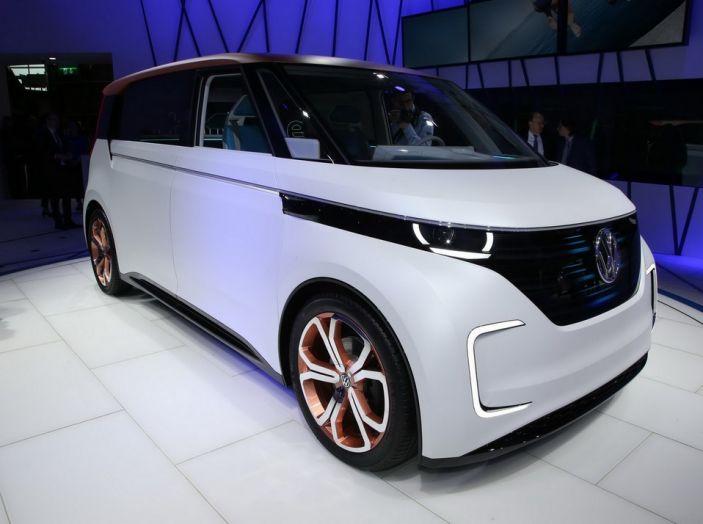 A volte ritornano: BUDD-e, il van di Volkswagen per l'hippie 2.0