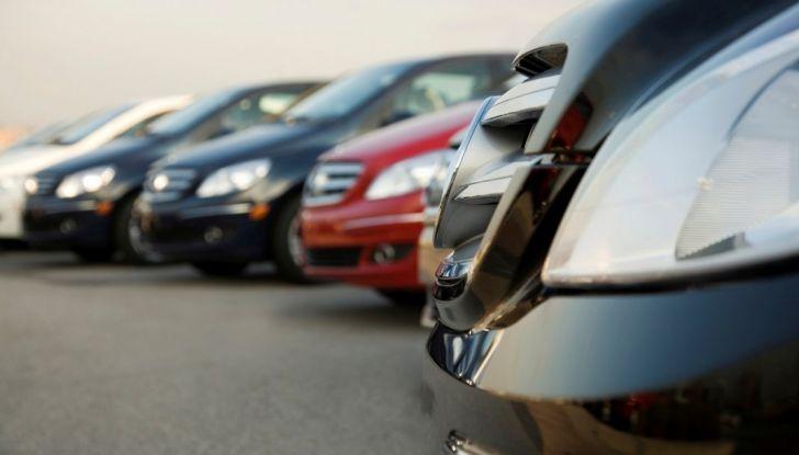 Il passaggio di proprietà auto: come si fa e quanto costa - Foto 2 di 6
