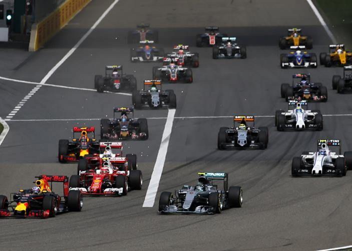 F1 2016, GP del Brasile: Hamilton trionfa nel diluvio, Vettel quinto - Foto 31 di 41