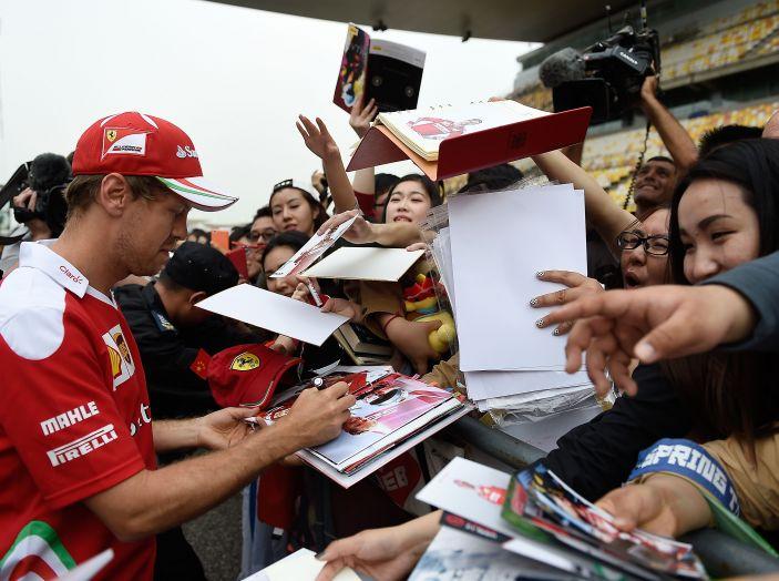 F1 2016, GP del Brasile: Hamilton trionfa nel diluvio, Vettel quinto - Foto 1 di 41