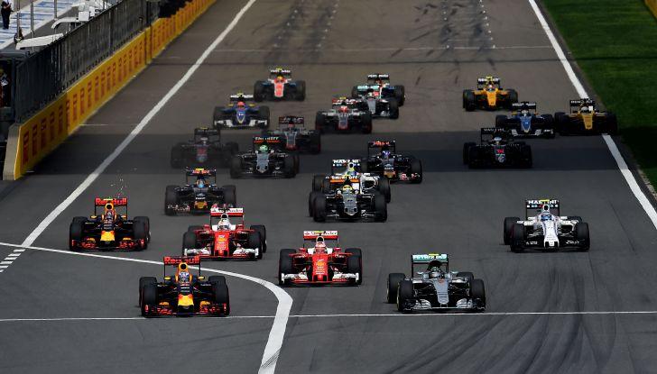 F1 2016, GP del Brasile: Hamilton trionfa nel diluvio, Vettel quinto - Foto 16 di 41