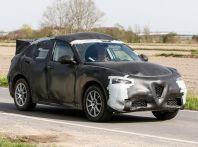 Alfa Romeo Stelvio SUV, foto spia in anteprima assoluta