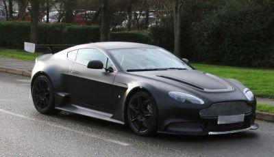 Aston Martin Vantage GT8, i primi test su strada nel Regno Unito
