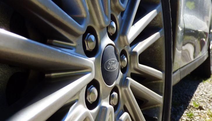 Ford S-Max TDCi 2.0 180 CV, prova su strada, dotazioni di serie e prezzi (18)
