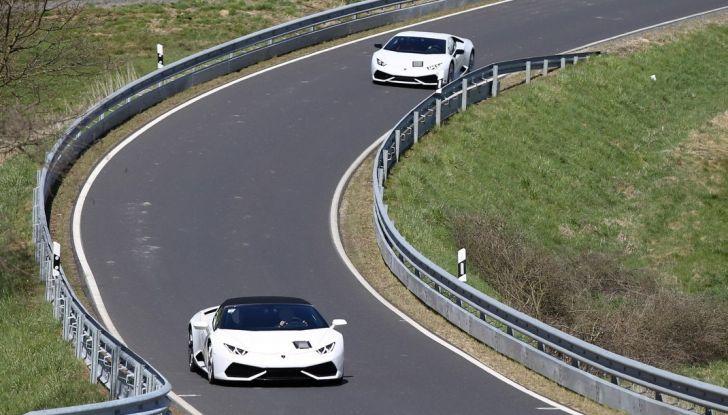Nuova Lamborghini Huracan Superleggera, iniziano i primi test su strada - Foto 15 di 17