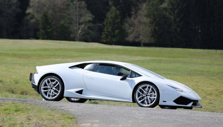 Nuova Lamborghini Huracan Superleggera, iniziano i primi test su strada - Foto 4 di 17
