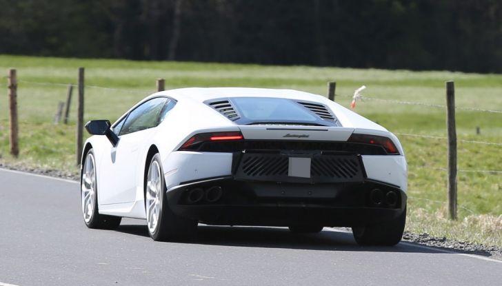 Nuova Lamborghini Huracan Superleggera, iniziano i primi test su strada - Foto 7 di 17