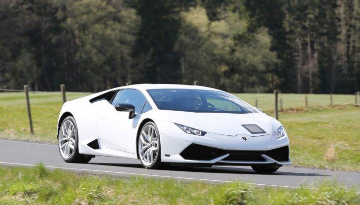 Nuova Lamborghini Huracan Superleggera, iniziano i primi test su strada - Foto 1 di 17