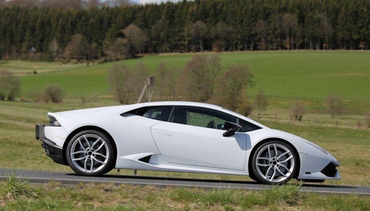 Nuova Lamborghini Huracan Superleggera, iniziano i primi test su strada - Foto 10 di 17