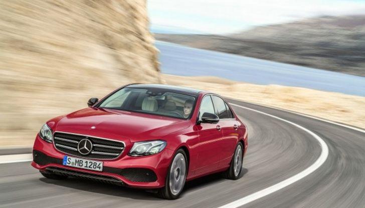 Nuova Mercedes Classe E, prova su strada, prezzi ed allestimenti - Foto 2 di 11