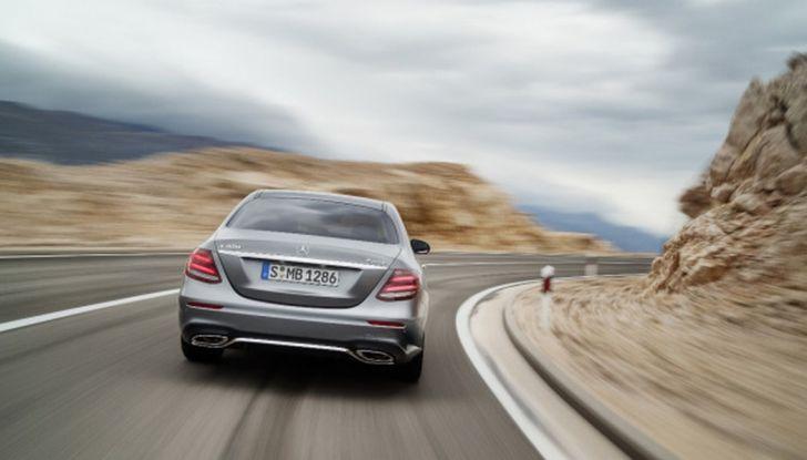 Nuova Mercedes Classe E, prova su strada, prezzi ed allestimenti - Foto 3 di 11
