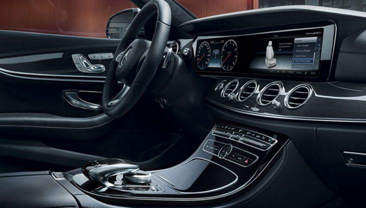 Nuova Mercedes Classe E, prova su strada, prezzi ed allestimenti - Foto 4 di 11