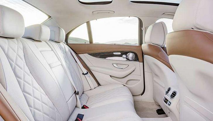 Nuova Mercedes Classe E, prova su strada, prezzi ed allestimenti - Foto 5 di 11