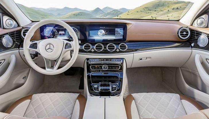 Nuova Mercedes Classe E, prova su strada, prezzi ed allestimenti - Foto 6 di 11