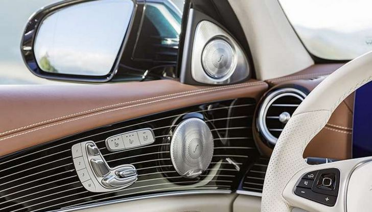 Nuova Mercedes Classe E, prova su strada, prezzi ed allestimenti - Foto 7 di 11