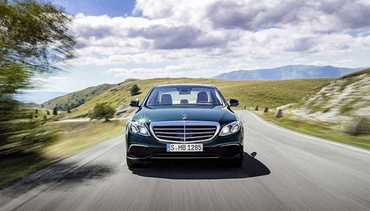 Nuova Mercedes Classe E, prova su strada, prezzi ed allestimenti - Foto 8 di 11