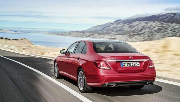 Nuova Mercedes Classe E, prova su strada, prezzi ed allestimenti - Foto 9 di 11