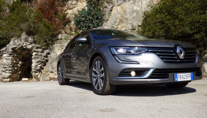 Renault Talisman, la prova su strada della berlina Renault - Foto 9 di 42