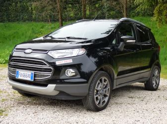 Ford EcoSport prova su strada, motorizzazioni e prezzi