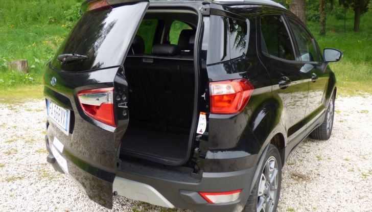 Ford EcoSport prova su strada, motorizzazioni e prezzi - Foto 30 di 41