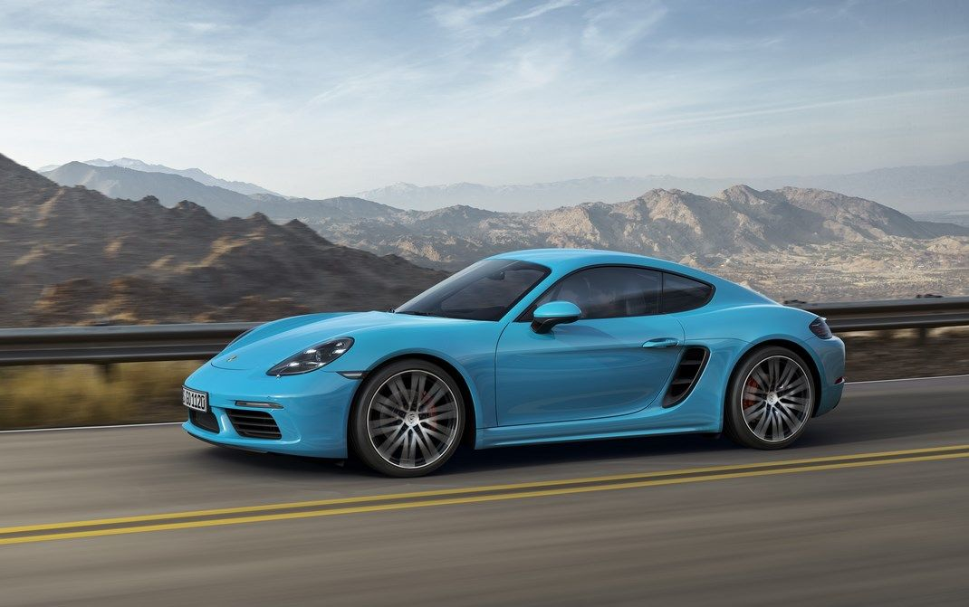 Porsche 718 Cayman: nuovo look e ritorno a 4 cilindri