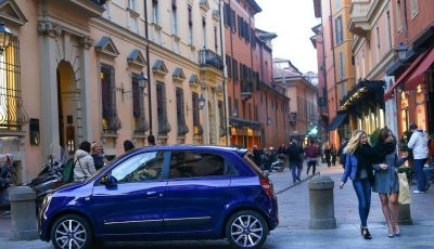 Renault Twingo LOVELY e LOVELY2: serie limitate all'insegna del Glamour