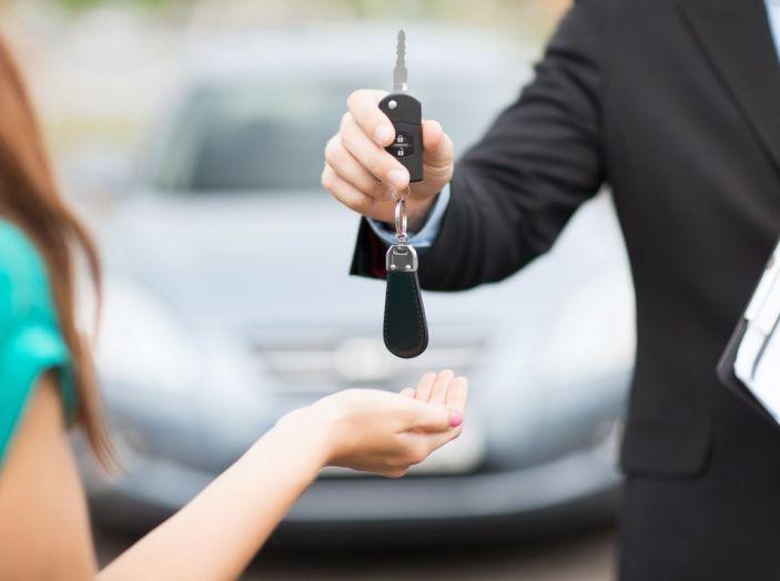 Il passaggio di proprietà auto: come si fa e quanto costa - Foto 1 di 6